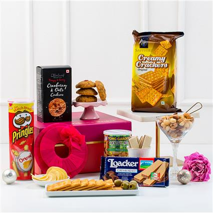 light hearted munchies gift hamper