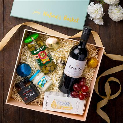 One For The Classy Couple  - Gift Hamper