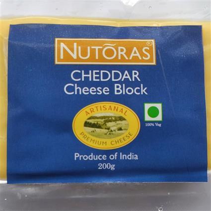 NUTORAS CHEDDAR CHEESE BLOCK