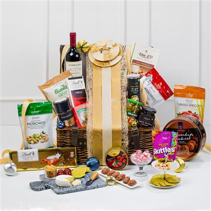 Nature`S Classic Basket - Gift Hamper