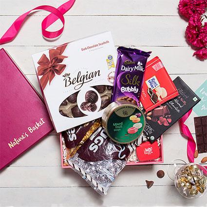 Valentine Hues - Gift Hamper